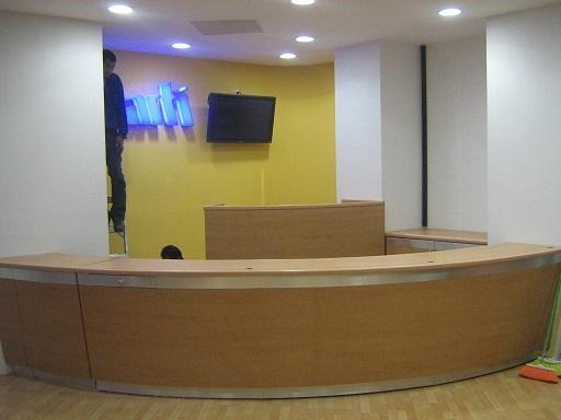 Fabricantes de kioscos comerciales vitrinas exhibidores for Diseno de kioscos en madera